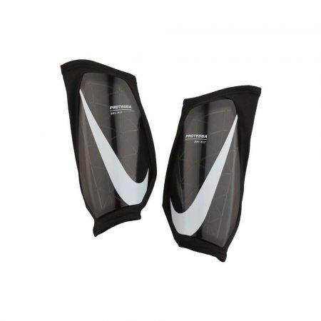 zaopatrzenie dla biura 7 alibiuro.pl Ochraniacze Pilkarskie Nike PRTGA GRD czarne SP2166 69